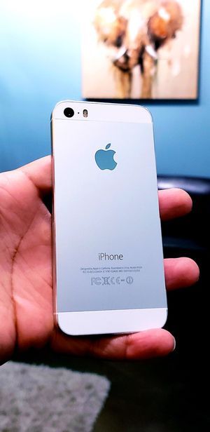 UNLOCKED IPHONE 5 EXCELLENT CONDITION SMALL SIZE TMOBILE ATT METRO CRICKET WORLD USE 16GB for Sale in Chamblee, GA