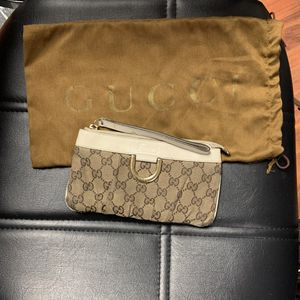 Authentic Gucci Wristlet/Wallet for Sale in Minneapolis, MN