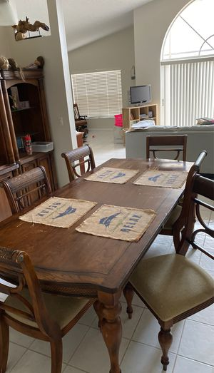 Ashley Furniture Dining Set- Tommy Bahama Style for Sale in Lake Worth, FL