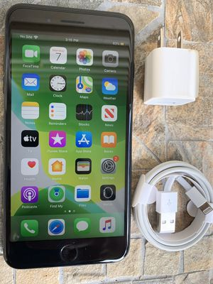 IPhone 7 Plus unlocked128gb for Sale in Waltham, MA