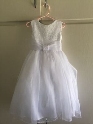 White flower girl dress size 2 for Sale in San Leandro, CA