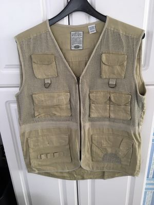 Bugle Boy Canvas Sporting Fishing Hunting Safari Vest Men's L for Sale in Imperial, MO
