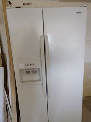 Kenmore Refrigerator in great shape for Sale in Denver, CO