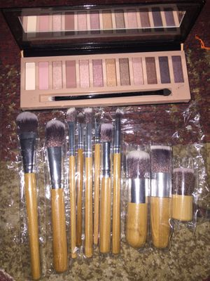 Eyeshadow +eyeshadow for Sale in Columbus, OH