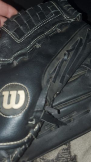 Softball glove for Sale in DW GDNS, TX