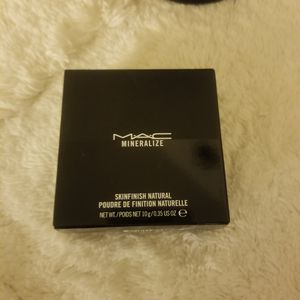 Brand new MAC Mineralize skinfinish natural for Sale in Ontario, CA