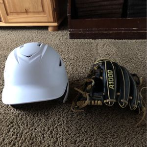 A100 Brand New Glove + Helmet for Sale in Bonney Lake, WA