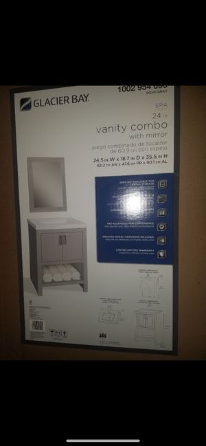 Vanity combo with mirror for Sale in Fresno, CA
