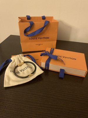 Louis Vuitton Daily Confidential Bracelet in Monogram/Black (Size 17) for Sale in Denver, CO