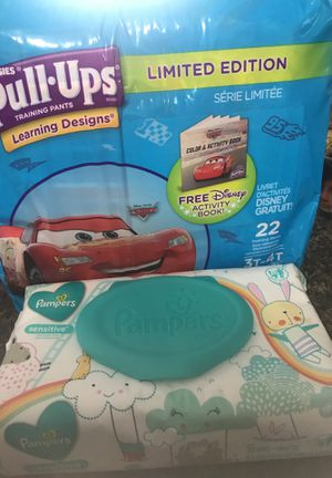 Pull up huggies size 3t 4t and wipes for Sale in Totowa, NJ