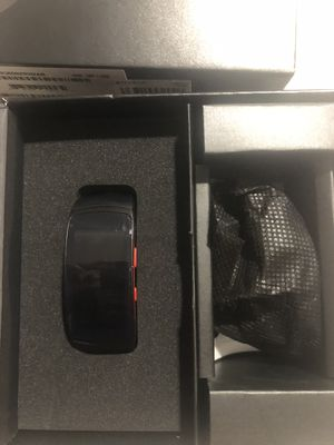 New Samsung gear fit2 pro size small for Sale in Los Angeles, CA