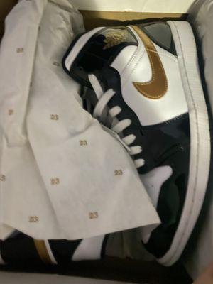 Jordan retro 1 Gold for Sale in Dallas, TX