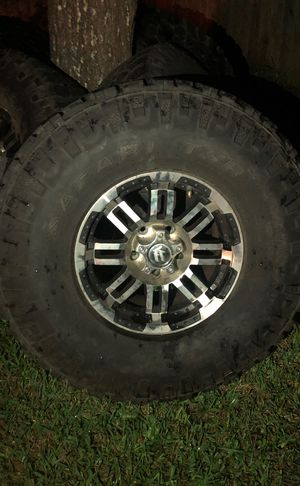 """5 - 16"""" Jeep wheels with 315/75/16 tires —— $600 for Sale in Cedar Park, TX"""