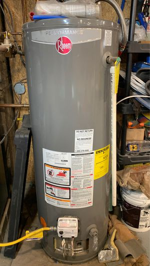 Rheem water heater for Sale in Lincoln, RI