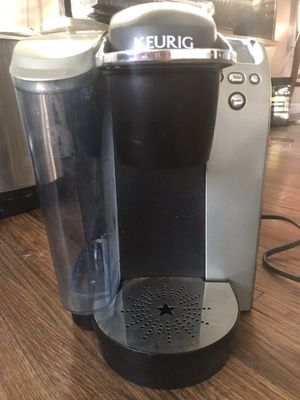 Keurig Coffee Maker with 30 K-Cup holder and assorted coffee for Sale in Dallas, TX