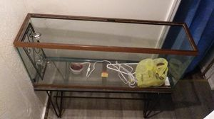 Fishtank with stand no top 25$ for Sale in Evansville, IN