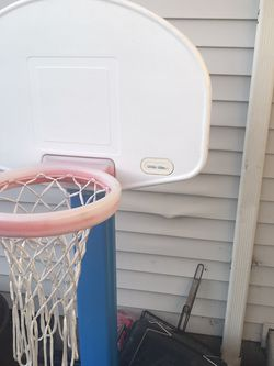 Little Tikes Adjustable Basketball Hoop for Sale in Vancouver,  WA
