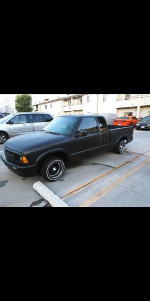 95 S10 $2000 for Sale in Palmdale, CA