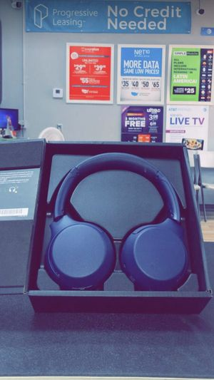 Sony WH-XB700 Wireless On-Ear Headphones (Brand New) Retails for $129!! for Sale in Dallas, TX