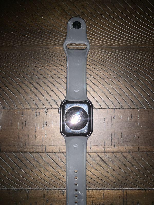 Apple Watch series 4 (44m)