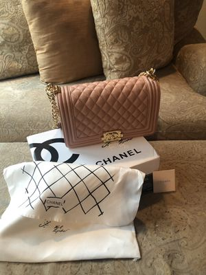 Chanel Boy Flap Bag for Sale in Frisco, TX
