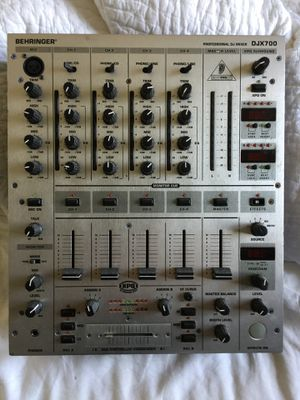 Behringer DJX-700 dj mixer with effects for Sale in Philadelphia, PA