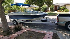 4winns boat new seats solid floor runs good tags are good just downsizing my toys for Sale in Fresno, CA