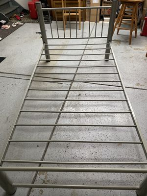 Metal twin bed frame for Sale in Getzville, NY