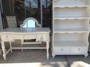 Vintage Little girls desk and book shelf for Sale in East Point, GA