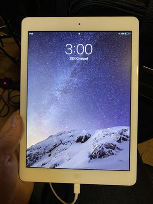 Apple iPad Air WiFi 16gb for Sale in Joint Base Lewis-McChord, WA