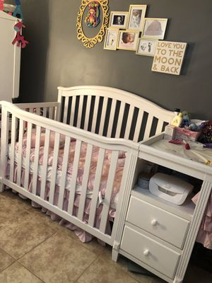 4-1 crib with changing table for Sale in San Leandro, CA