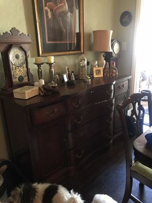 1940 Duncan Phyfe style antique dining table buffet and China cabinet for Sale in Phoenix, AZ