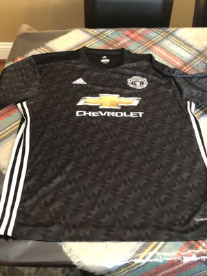 MAN UNITED PAUL POGBA JERSEY. SIZE XXL, RUNS SMALL for Sale in Sterling, VA