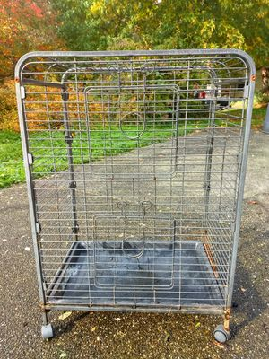 """Cage 36"""" tall x 25 1/2 x 17 for Sale in Tulalip, WA"""