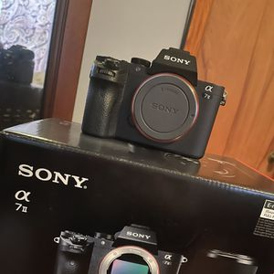 Sony a7ii for Sale in Waterbury, CT