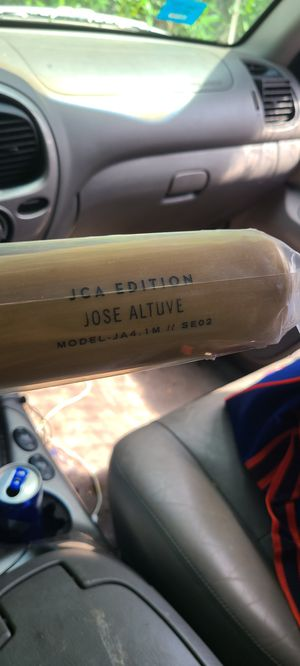 Jose Altuve signature edition baseball bats for Sale in Houston, TX