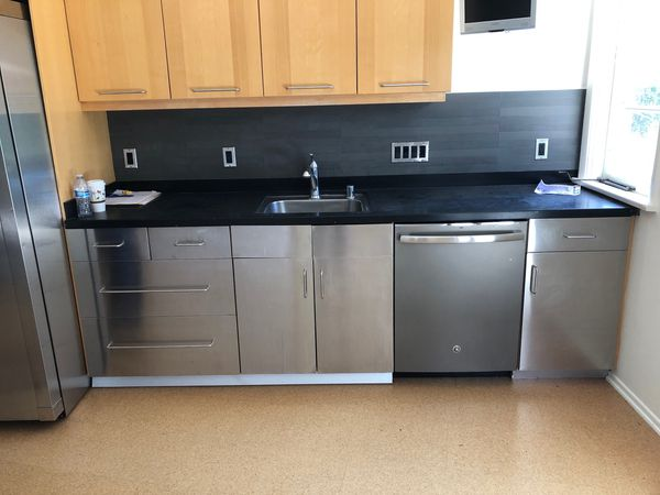Stainless Steel Kitchen Cabinets with SS Sink