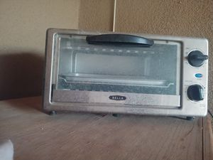 Car seat. Breast pump. Toaster oven for Sale in Yuma, AZ