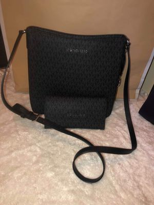 Michael Kors Messenger Bag and Wallet for Sale in Colton, CA