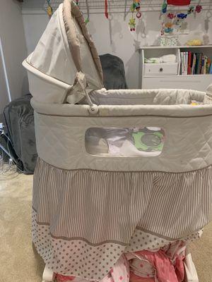 Baby crib for Sale in Diamond Bar, CA