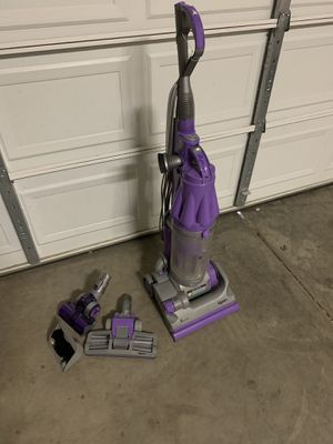Dyson DC07 Animal Vacuum w/attachments for Sale in Phoenix, AZ