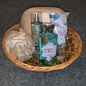 Bath and body works - gift set FIRM OFFER for Sale in San Bernardino, CA