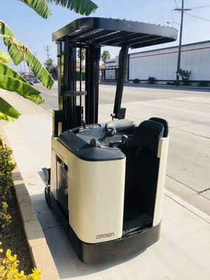 Crown Forklift Electric for Sale in Montebello, CA