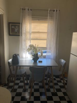 Small kitchen table set for Sale in Oakland, CA