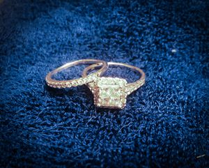 2 karat diamond engagement ring and wedding band for Sale in NO FORT MYERS, FL