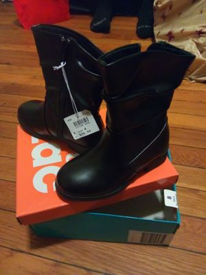 Toddler girl boots for Sale in Chicopee, MA