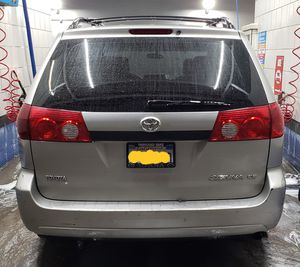 Toyota sienna 2006 for sale for Sale in Los Angeles, CA
