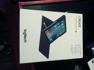 Ipad keyboard plus more for Sale in Phoenix, AZ