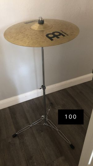 Cymbal with stand/ Platillo con Stand for Sale in Pittsburg, CA