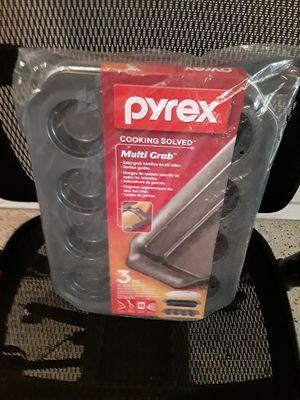 Pyrex 3 PC Non-Stick Metal Bakeware for Sale in Miami, FL